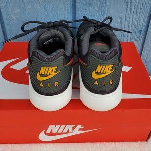 Nike Shoes - Nike Air Max Oketo Sneakers Sz 10